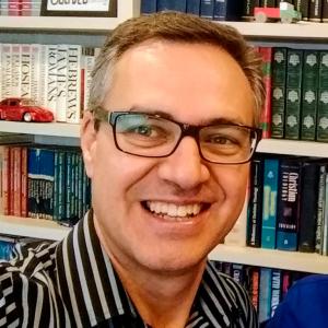 Valdir Oliveira